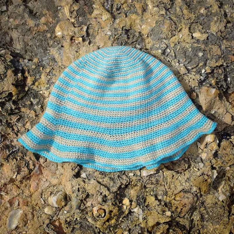 Patrón gratis de sombrero playero tejido con lino